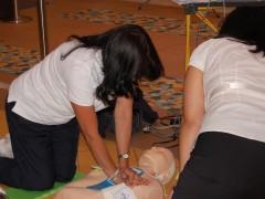 Simulation d'un massage cardiaque